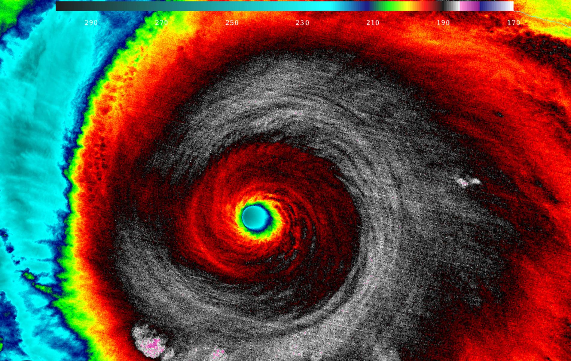 01hurricanecomp.ngsversion.1466566239573.adapt.1900.1